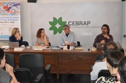 First Presentation of papers with Gabriela De Brelaz, Vanessa Rodrigues and Osmany Porto de Oliveira